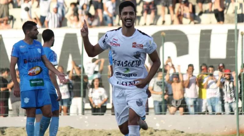 Lateral é o artilheiro do Comercial | Crédito: Rafael Alves/Comercial FC