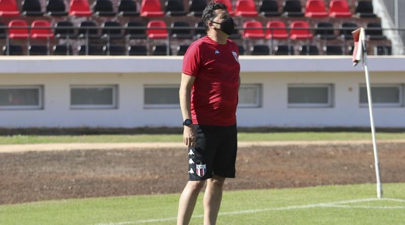Claudinei comentou vitória sobre o Botafogo