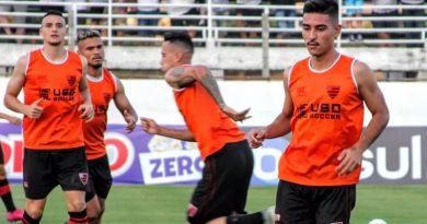 Mantuan e Oya não estarão em campo domingo | Crédito: Jefferson Vieira/Oeste FC