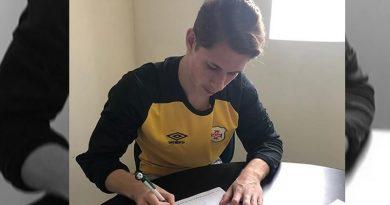 Goleiro assinou seu primeiro contrato profissional com a Portuguesa Santista