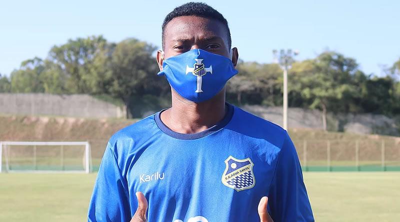 Lucas Silva é mais um reforço do Água Santa