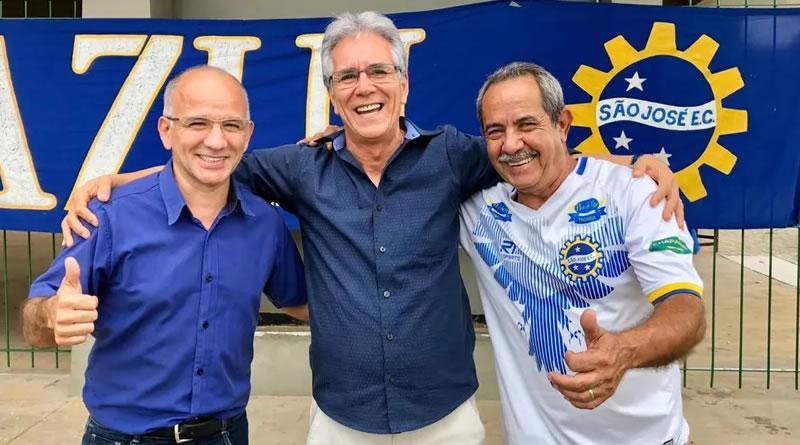 Celso Monteiro (centro), disse que São José terá um time para brigar para subir