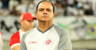 Waguinho Dias é o novo técnico do Penapolense