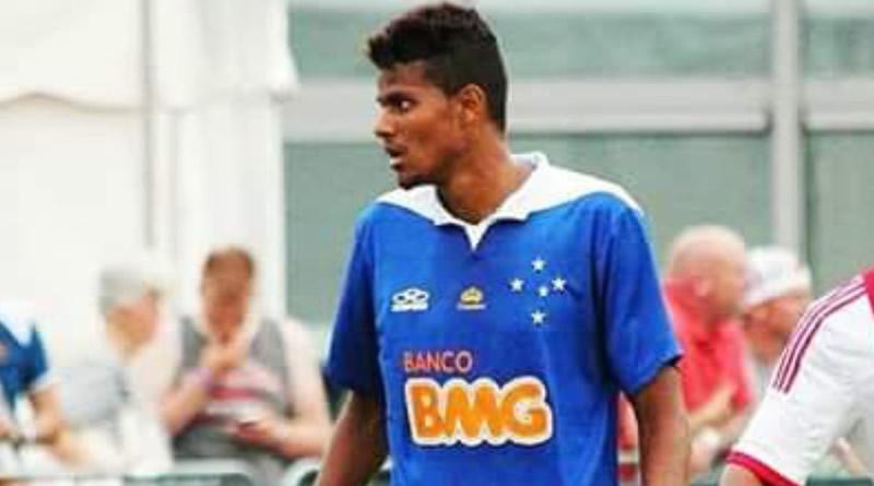 Jogador foi revelado pelo Cruzeiro