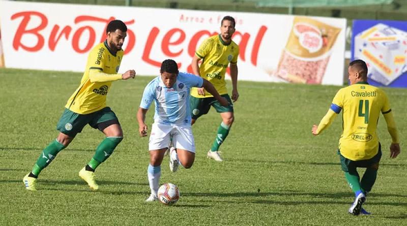 Londrina tentou empate no segundo tempo mas não conseguiu | Crédito: Gustavo Oliveira/Londrina EC