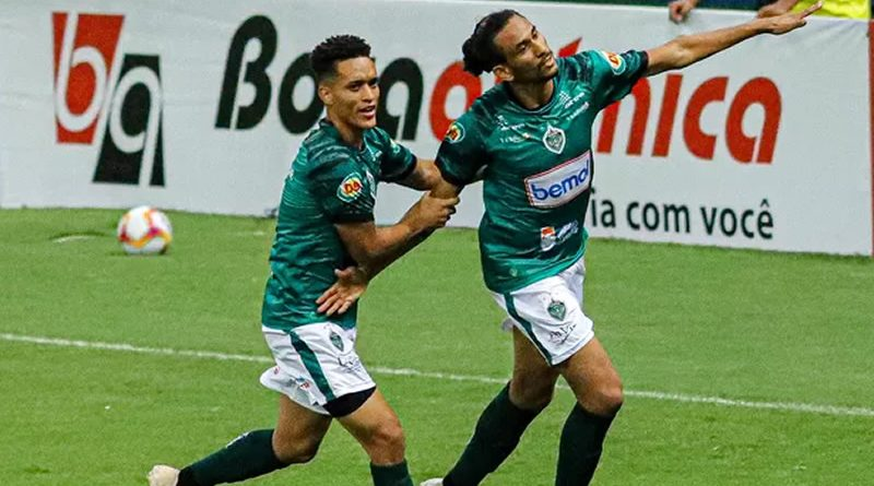 Hamilton marcou dois na vitória do Manaus sobre o Botafogo