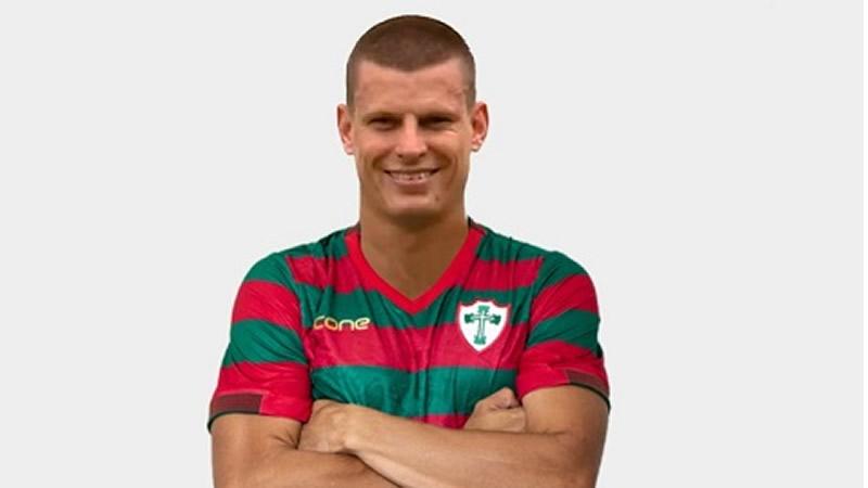 Jogador disse que é uma honra vestir a camisa da Portuguesa