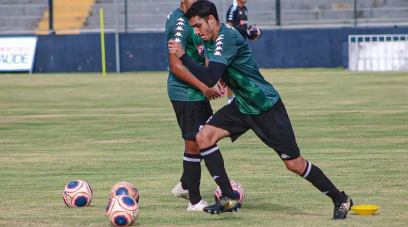 Lucas Siqueira é um dos jogadores que teria testado positivo