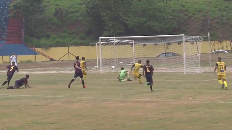 Lance do primeiro gol do Mauá