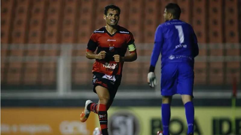 Paulinho Dias abriu o placar para o Ituano