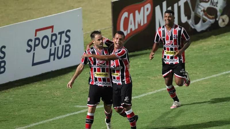 Pipico marcou duas vezes na partida