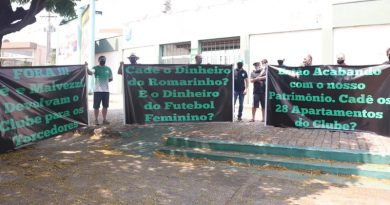Torcedores do Rio Preto fizeram protesto nesta segunda