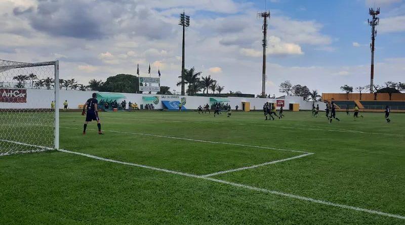 XV de Jaú venceu na estreia