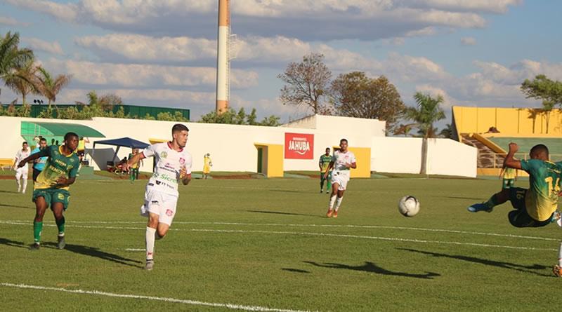 Nenê pegou de voleio para fazer o gol da virada | Crédito: Paulo César Grange