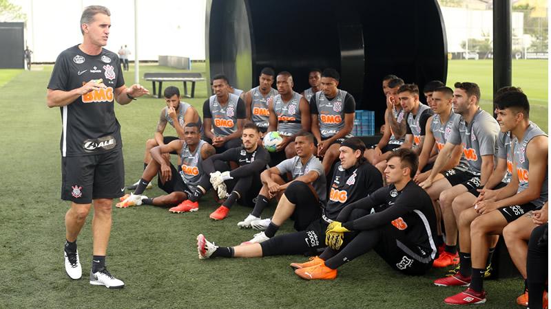 Corinthians terá três desfalques para encarar o Flamengo