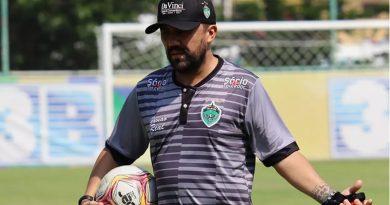 Luizinho Lopes não seguirá no Manaus