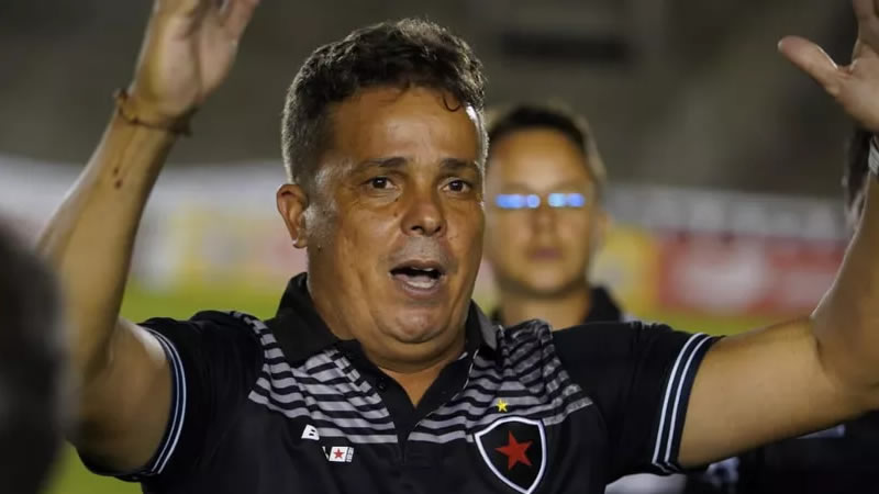 Piza não seguirá no Botafogo