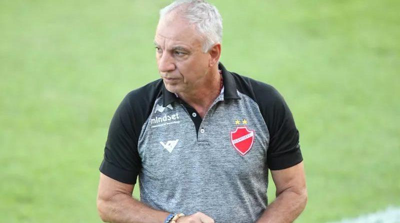 Márcio Fernandes acertou com o Londrina