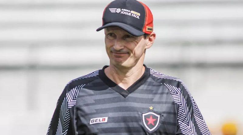 Gerson Gusmão foi sondado pelo Confiança