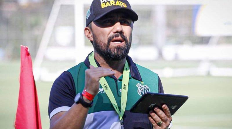 Luizinho Lopes é o novo técnico do Jacuipense